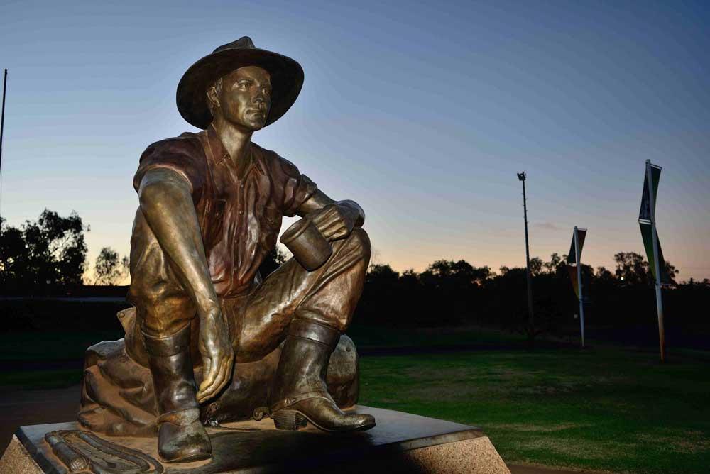 cunnamulla fella statue
